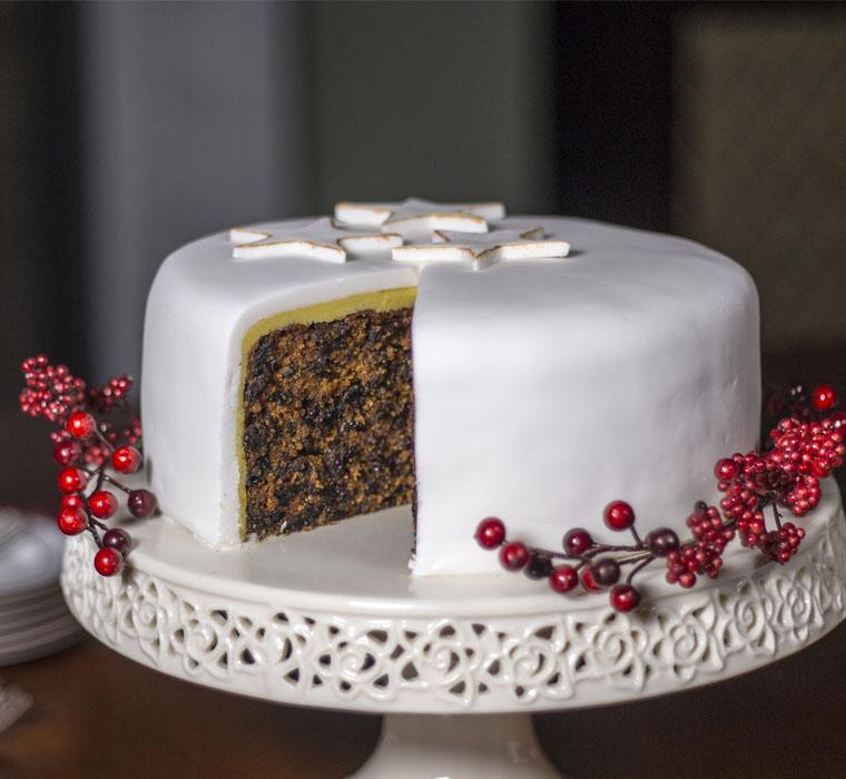 Easy Christmas Cake Decorating Ideas.Christmas Cake Farrington Oils